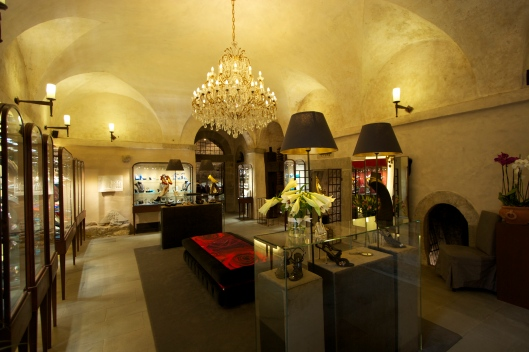 Plan an evening to remember at this historic jewelry shop in Cortona!