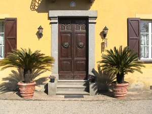 Villa del Castello (sleeps 6) is located on the border of Tuscany, Umbria, and Lazio.