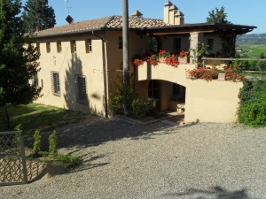 La Solaia (sleeps 6) is located near Certaldo, south of Florence.