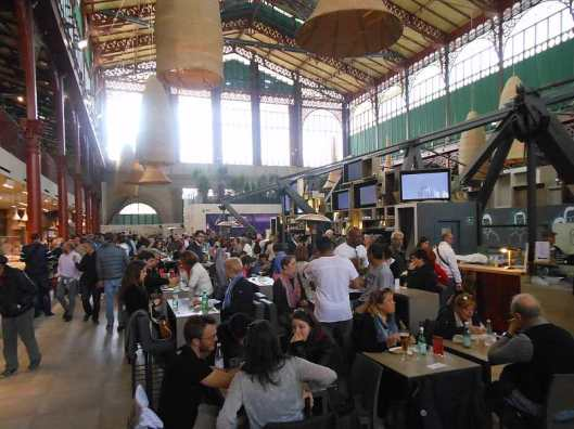 Explore the San Lorenzo market with a local guide!